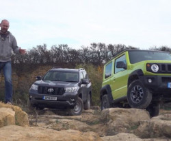 Вижте епичната офроуд битка между Suzuki Jimny и Toyota Land Cruiser Prado (ВИДЕО)